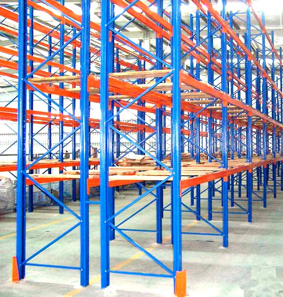 Beam upright wooden decking pallet rack